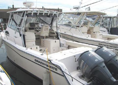2006 Grady-White 30 Marlin