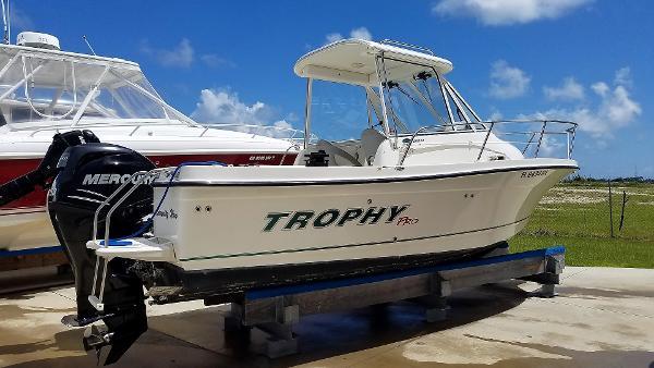 Used 2008 TROPHY 2102 Walkaround St Augustine Fl