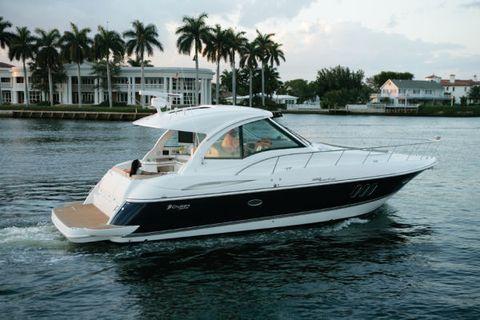 2009 Cruisers Yachts IPS 600