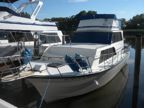 1987 Marinette Marinette Flybridge - 32