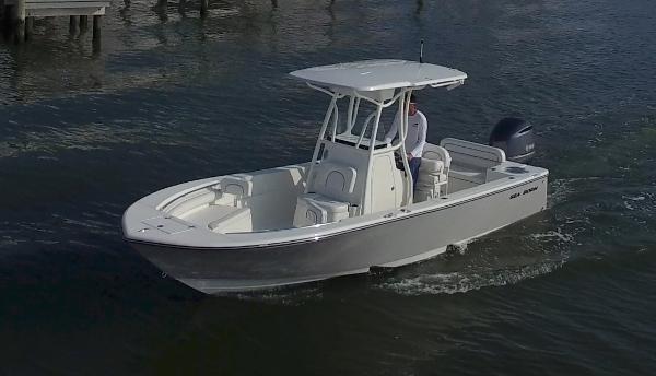 2018 Sea Born LX24 Center Console