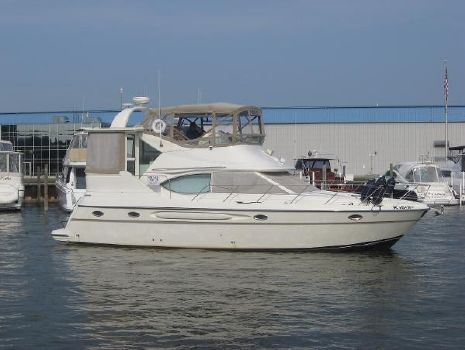 2000 Maxum 4100 SCA ON THE WATER