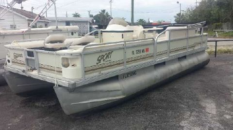 2001 Crest Pontoon Boats 20 Sport