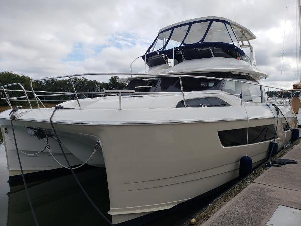 2016 Aquila 44 Profile at Dock