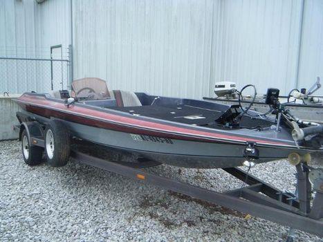 1988 Laser Boats 388
