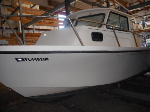 1996 Parker 2520 Sport Cabin