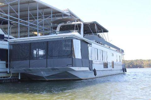 2001 Fantasy Yachts 17x82 widebody