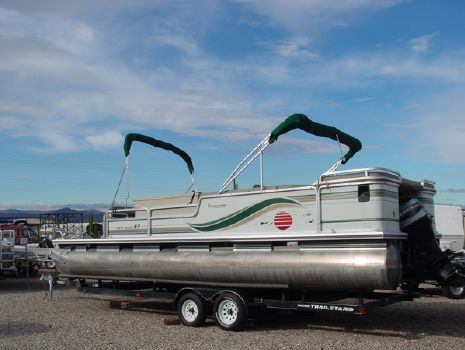 1997 Tracker PARTY BARGE