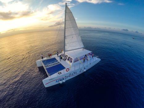 2017 Catamaran Cruisers Contoy 65