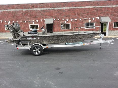 2015 GATOR TAIL 1854 Extreme Center Console