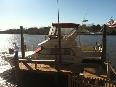 1984 Sea Ray 380 Aft Cabin