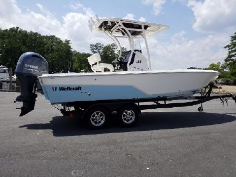 2018 Wellcraft 221 Bay