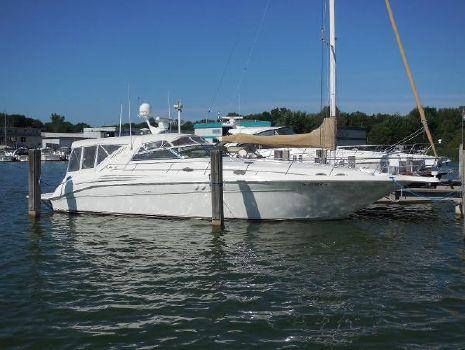 1997 Sea Ray 450 Sundancer On the Water