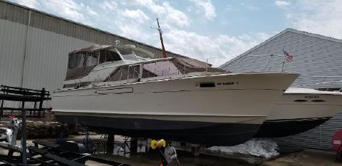1967 CHRIS - CRAFT 42 Commander