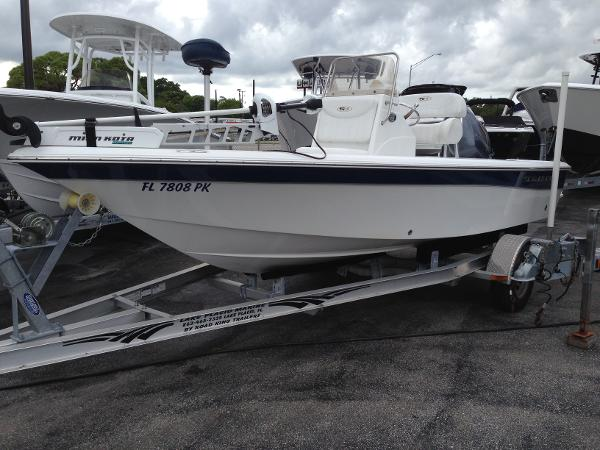 2012 Sea Hunt XP 19