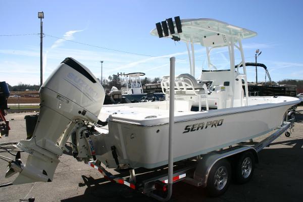 2017 Sea-pro 248 Deluxe Bay