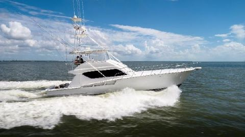 1998 Hatteras 60 Convertible Stbd Running Profile