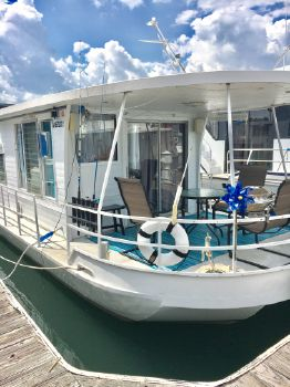 1966 Lazy Days Houseboat