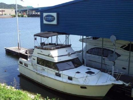 1985 Carver 3607 Motor Yacht
