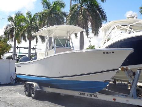 2005 REGULATOR 26 SF