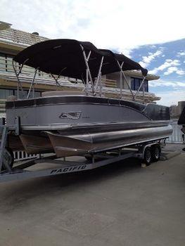 2014 Avalon Catalina Rear Fish - 24'