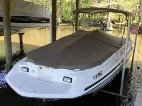 1999 Sea Ray 240 Sundeck Tonnneau Cover/In-Lift Slip