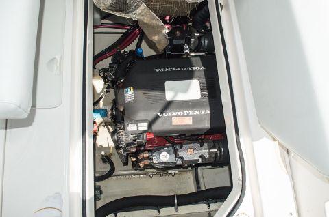 2005 Regal 2665 Commodore