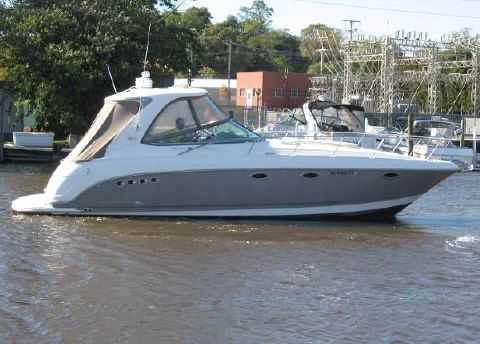 2007 Chaparral 350 Signature ON THE WATER