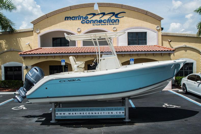 2016 Cobia Boats 217 Center Console