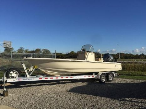 2012 Scout Boats 251 XS