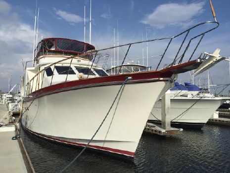 1985 Ocean Alexander 70 Pilothouse Starboard Bow
