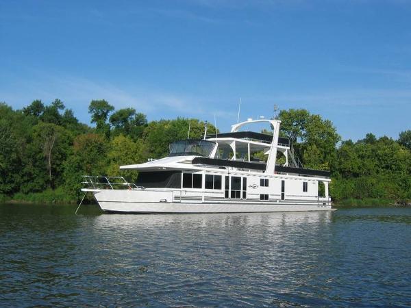 2003 Majestic Yachts 90'