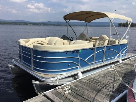 2017 SYLVAN Mirage 8520 Cruise