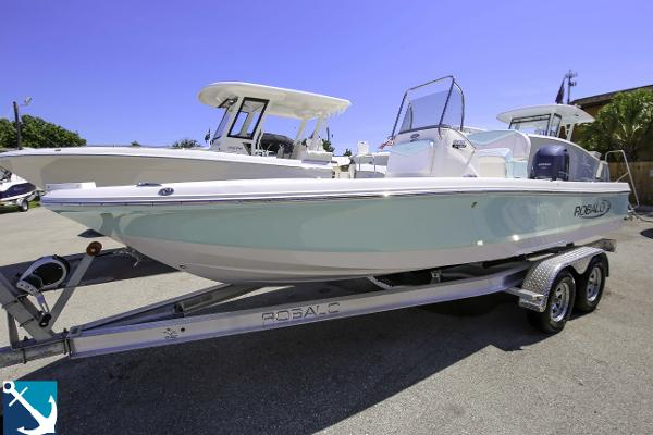 Check out this 2019 ROBALO 206 Cayman on Boattrader com