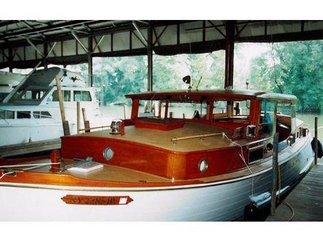 1931 Matthews open bridge, double cabin cruiser