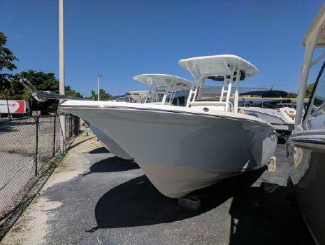 2018 Key West 244 Center Console