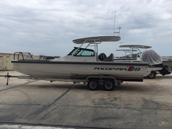 2016 Axopar 28 T Top 28 Foot 2016 Motor Boat In Tampa Fl