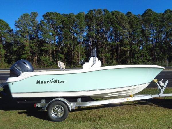 2017 Nautic Star 1900XS Offshore