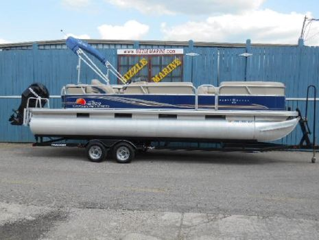 2012 Sun Tracker Party Barge 24 DLX