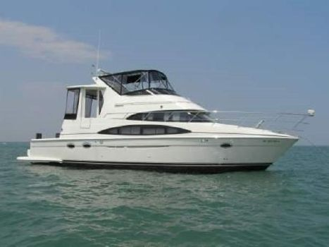 2005 Carver cockpit motor yacht