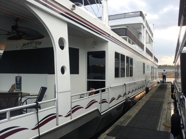 2006 Majesty Yachts 18x92