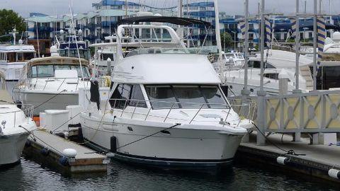 1996 Bayliner 4087 Aft Cabin Motoryacht