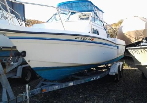 1996 FISH HAWK 2500 Walkaround