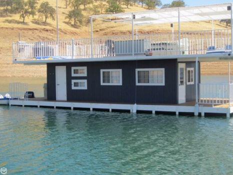 2000 Custom-craft 30' / 44' Houseboat 2000 Custom 30' / 44' Houseboat for sale in La Grange, CA