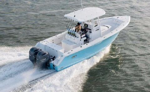 2016 Sea Hunt Gamefish 27 with Coffin Box