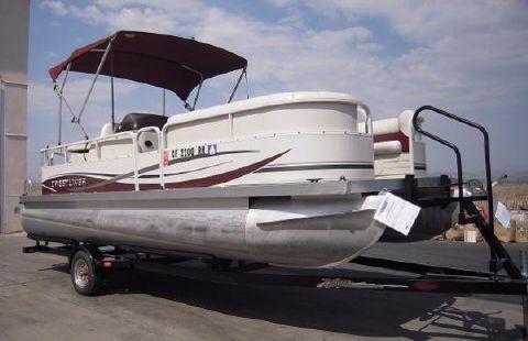 2007 Crestliner 2185