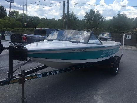 1993 Correct Craft Ski Nautique 196