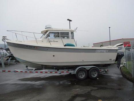 2014 Osprey Pilothouse 24 Fisherman