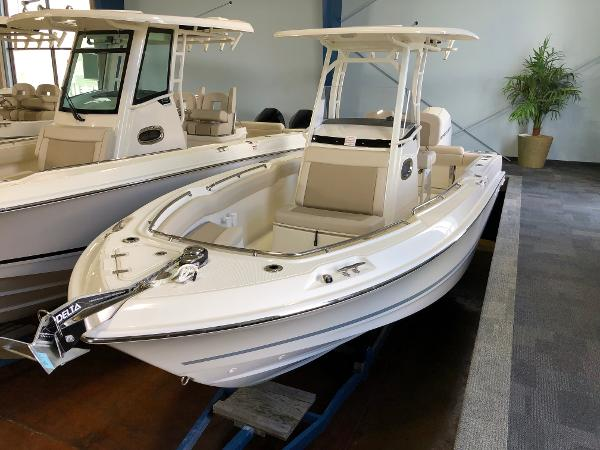 New 2019 BOSTON WHALER 230 Outrage, Clearwater, Fl - 33764 - Boat Trader