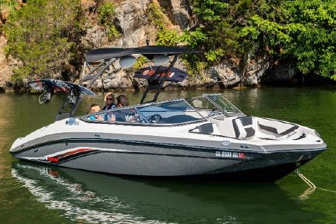 2019 Yamaha Boats AR195 Manufacturer Provided Image